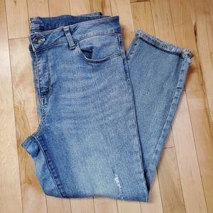 G.H. Bass Light Wash Denim Distressed Pants SZ 14